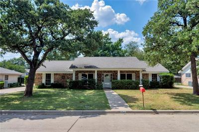 Hurst Single Family Home For Sale: 1741 Westridge Drive