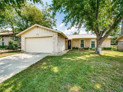 Euless Single Family Home For Sale: 1008 N Ector Drive