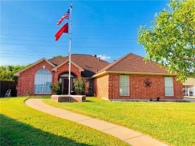 North Richland Hills Single Family Home For Sale: 6401 Royal Court