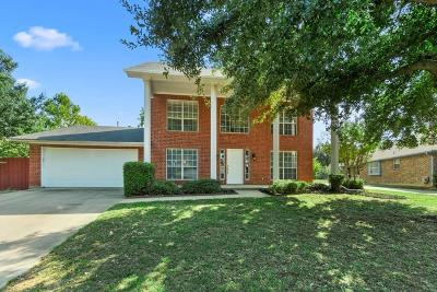Southlake Single Family Home For Sale: 1419 Flamingo Circle