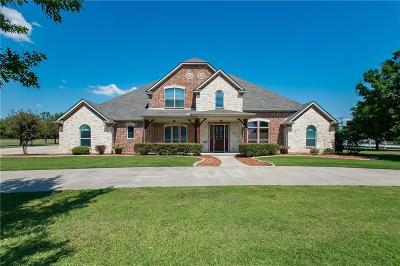Tarrant County Single Family Home For Sale: 1800 Greenway Crossing Drive