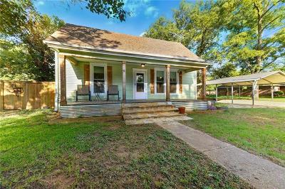 Denton County Single Family Home For Sale: 601 Hill Street