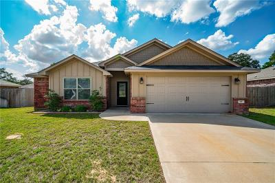 Lindale Single Family Home For Sale: 406 Noah Lane