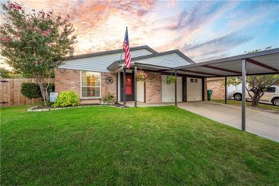 Watauga TX Single Family Home For Sale: $220,000