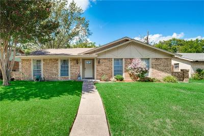 Garland Single Family Home For Sale: 517 Doral Place