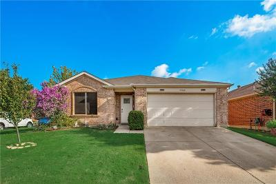 Saginaw Single Family Home For Sale: 828 Lariat Drive