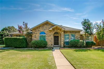Dallas County Single Family Home For Sale: 102 Creekside Lane