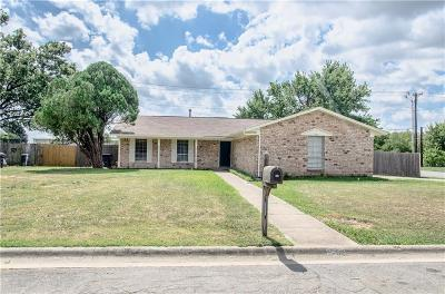 Denton Single Family Home For Sale: 1501 Amherst Drive