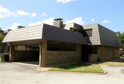 Euless Townhouse For Sale: 207 E Harwood Road #26