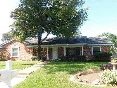 Hurst Single Family Home For Sale: 317 Cooper Drive