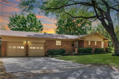 Arlington Single Family Home For Sale: 801 Oakwood Lane