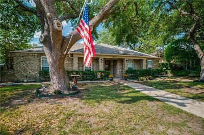 Single Family Home For Sale: 9038 Oakpath Lane