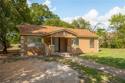 Grand Prairie TX Single Family Home For Sale: $130,000