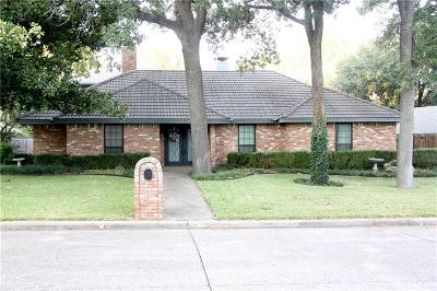Grand Prairie Single Family Home For Sale: 2342 King Richard Drive