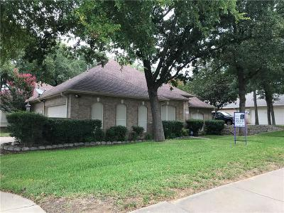 Tarrant County Single Family Home For Sale: 717 Red Oak Summit