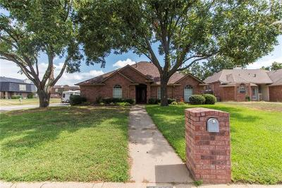 Arlington Single Family Home For Sale: 2311 Lovell Court
