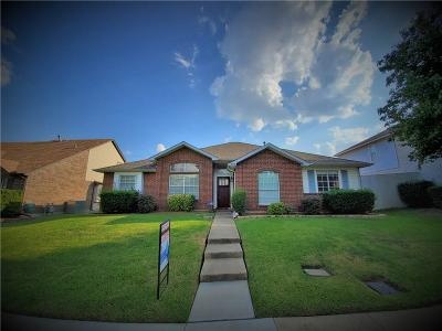 Lewisville Single Family Home For Sale: 988 Cassion Drive