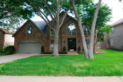 Grapevine Single Family Home For Sale: 3204 Shady Glen Drive