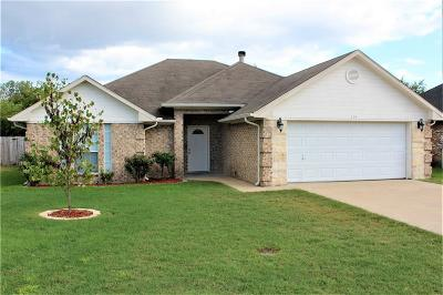 Terrell Single Family Home For Sale: 114 Stonebriar Way