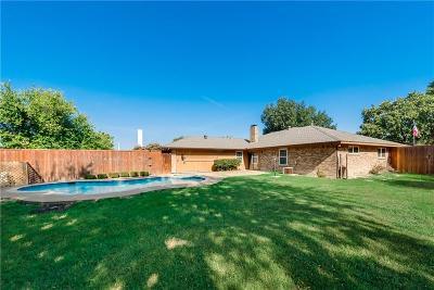 Garland Single Family Home For Sale: 902 Woodhaven Lane