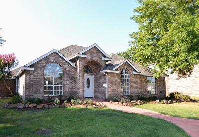 Sachse Single Family Home For Sale: 4702 Maple Shade Avenue