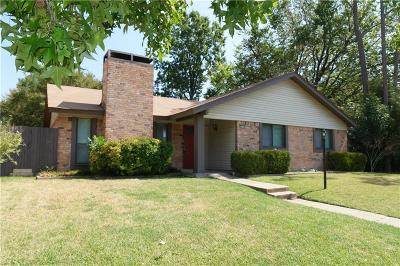 Garland Single Family Home For Sale: 4618 Oakwood Drive