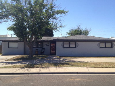 Single Family Home For Sale: 1513 Mesa St