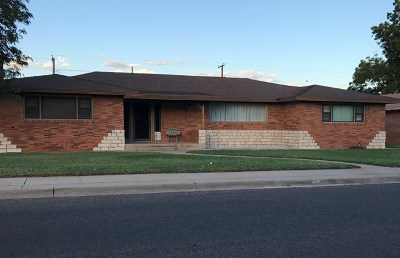 Andrews Single Family Home For Sale: 1110 NW 9th St