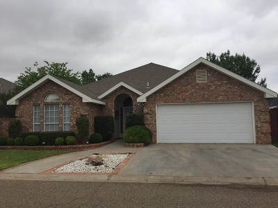 Single Family Home For Sale: 3012 Woodridge Lane