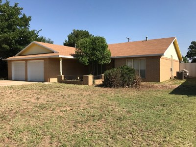 Seminole Single Family Home For Sale: 800 SW Ave K