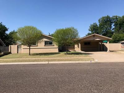 Andrews Single Family Home For Sale: 1407 NW 9th St