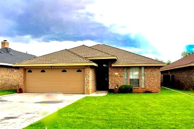 Andrews Single Family Home For Sale: 916 B Bronstad