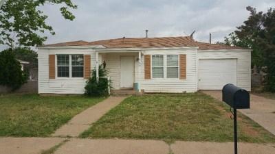 Andrews Single Family Home For Sale: 909 NE 5th St