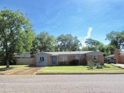 Andrews Single Family Home For Sale: 1102 NW 12th St