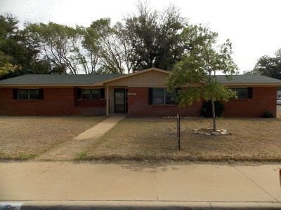 Andrews Single Family Home For Sale: 1300 NW 9th St