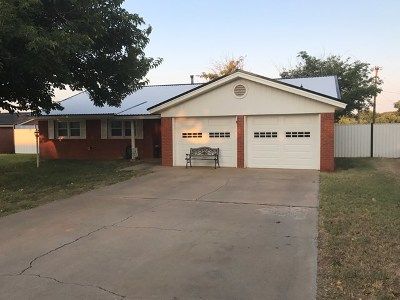 Seminole Single Family Home For Sale: 502 SW 19th St