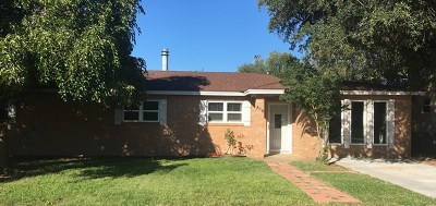 Seminole Single Family Home For Sale: 610 SW 18th St