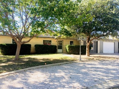 Seminole Single Family Home For Sale: 504 SW 17th St