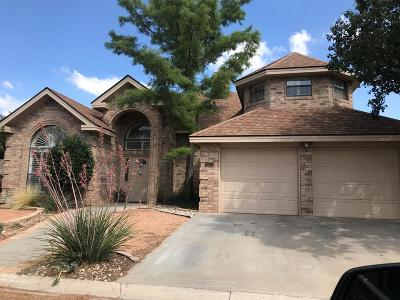Single Family Home For Sale: 6501 Pine Ridge