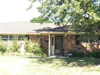 Single Family Home For Sale: 2312 N Beech Ln
