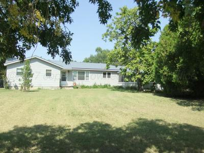 Single Family Home For Sale: 300 W 8th St