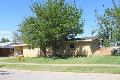 Single Family Home For Sale: 2424 Navajo Rd