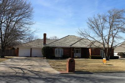 Single Family Home For Sale: 2353 Chestnut Dr