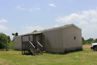 Palestine TX Single Family Home For Sale: $159,000