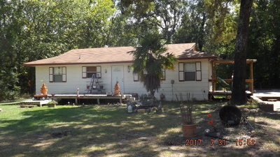 Palestine TX Single Family Home For Sale: $89,900
