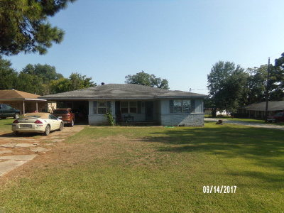 Elkhart TX Single Family Home For Sale: $59,000