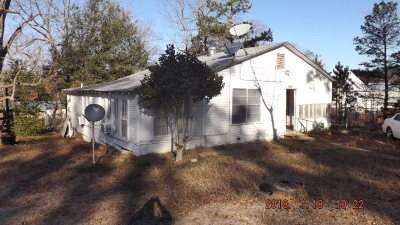 Neches TX Single Family Home For Sale: $49,900