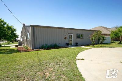 Stanton Single Family Home For Sale: 901 W Carpenter