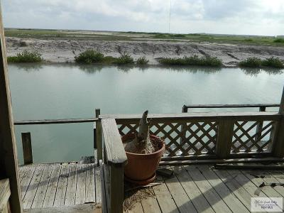 Port Isabel Single Family Home For Sale: 110 E Scallop
