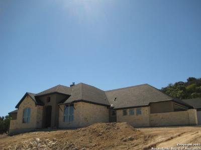 Comfort TX Single Family Home For Sale: $575,000